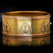 ANTIQUE VICTORIAN HINGED BANGLE