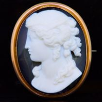-NO RESERVE- ANTIQUE AGATE CAMEO BROOCH