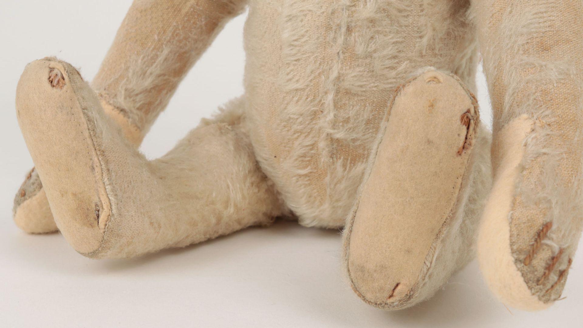 Steiff – Teddybär um 1930, Knopf im Ohr (mit heruntergezogenem 'f'), heller Mohairb - Image 3 of 7