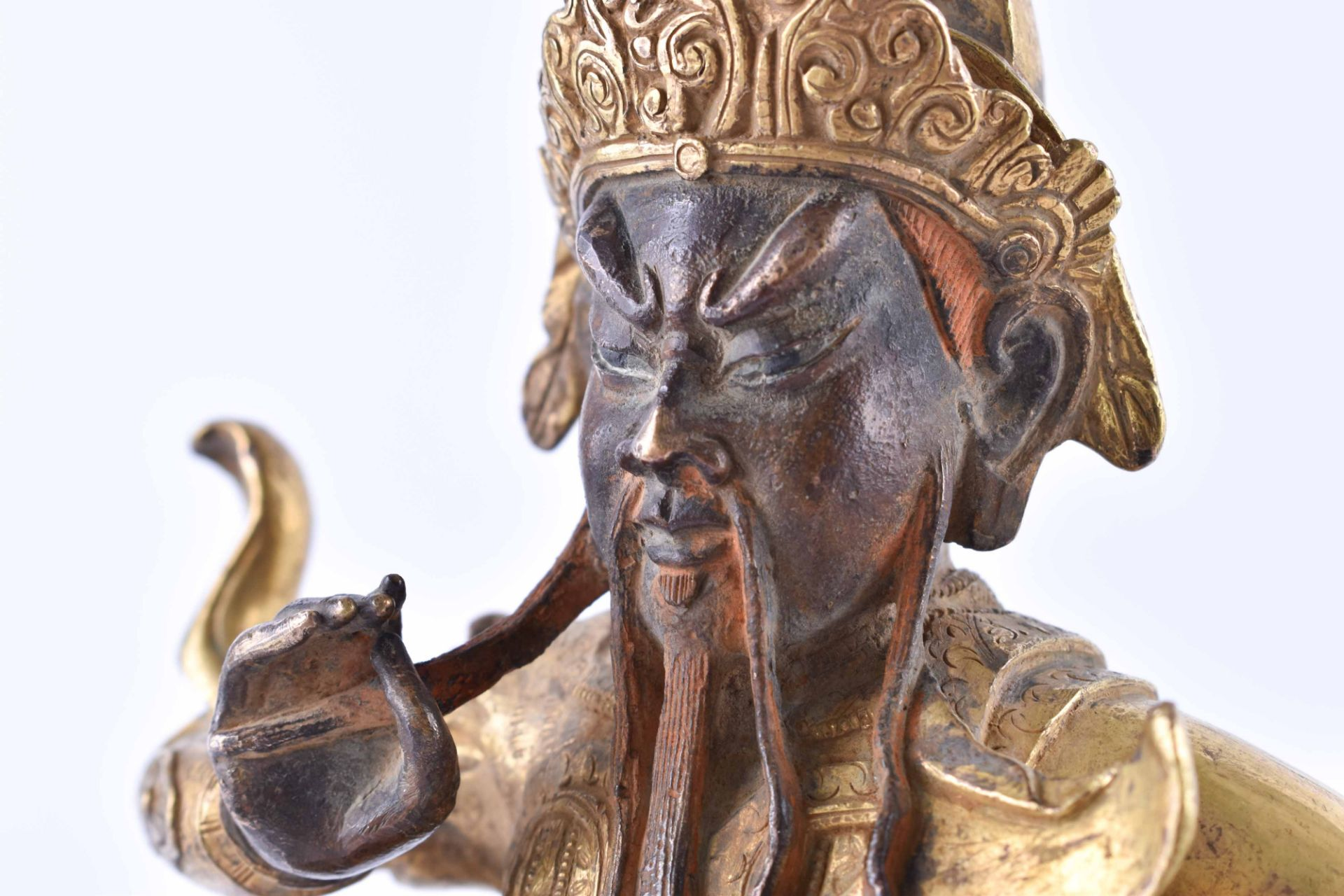 A fine gilt-bronze Figure of GUANDI, China, 19th century - Image 7 of 8