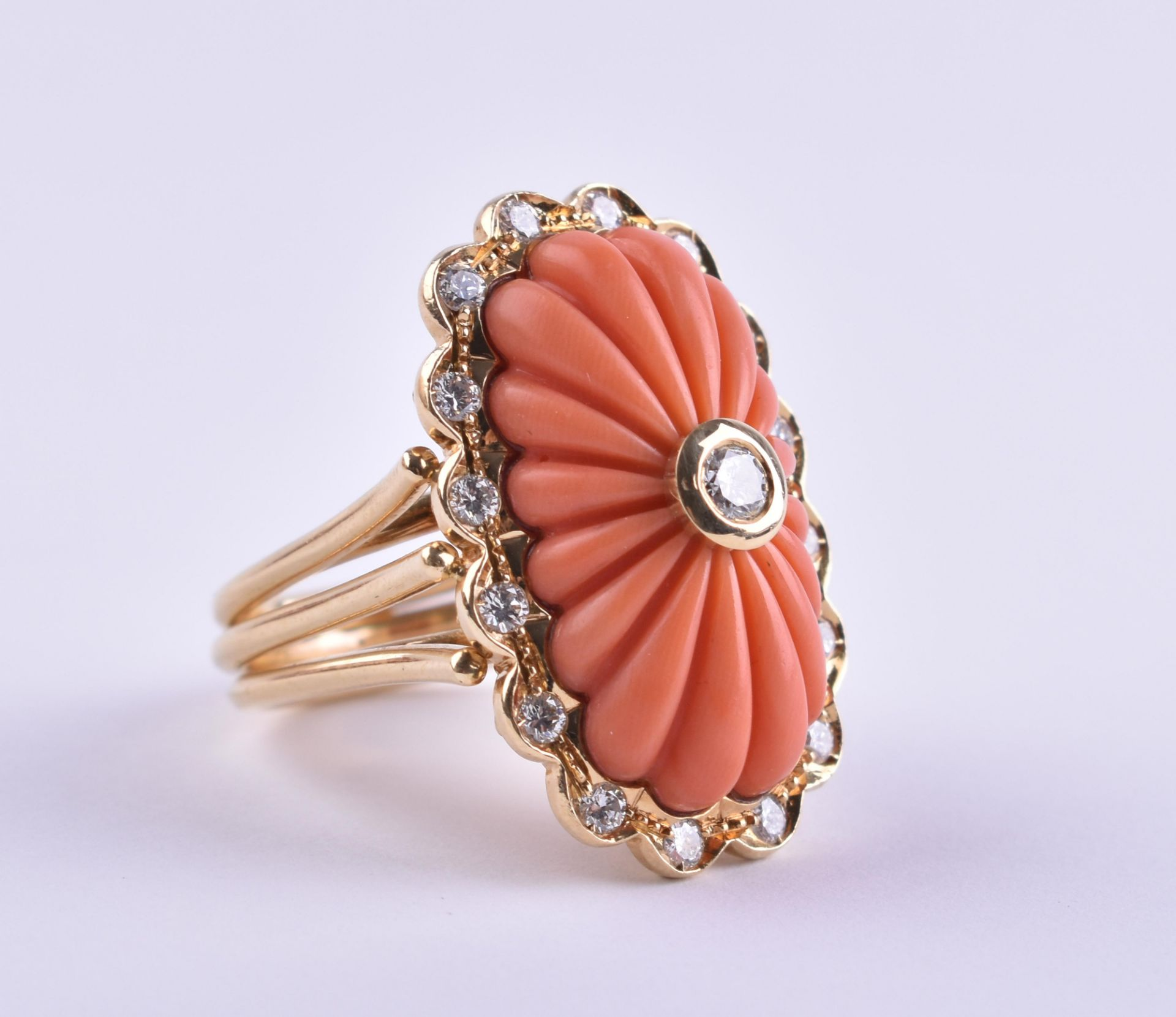 Ladies coral diamond ring Cartier - Image 2 of 4