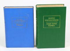 2 Bände Kleine Enzyklopädiedabei *Natur*1958, 758 S. mit 450 Strichzeichnungen im Te