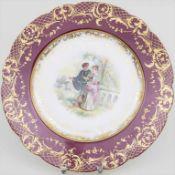 Zierteller mit Galanterie 'Rokoko-Paar' / A plate with a Rococo couple, Dresden, um 1900<br
