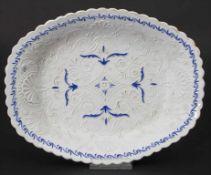 Ovale Zierschale / An oval bowl, Meissen, Anfang 19. Jh.Material: Porzellan, dezent be