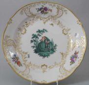 Große Prunkplatte / A large serving platter, Meissen, 20. Jh.Material: Porzellan, pol