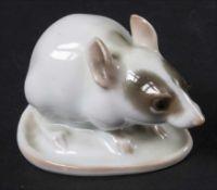 Maus / A mouse, Rosenthal, Selb, um 1930Material: Porzellan, naturalistisch bemalt und