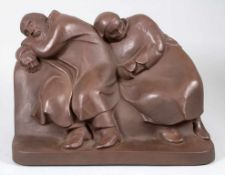Große Figurengruppe 'Russisches schlafendes Bauernpaar' / A large figural group of a sleeping R