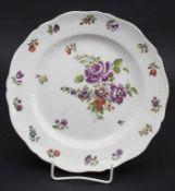 Teller / A plate, Wien, um 1790Material: Porzellan, polychrom bemalt, glasiert, Ma