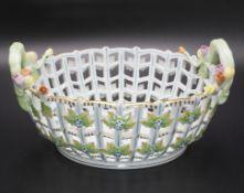 Korbschale / A basket shaped bowl, Herend, Ungarn, 1941-1948