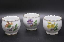 3 kleine Blumentöpfe / Übertöpfe / Cachepots / 3 small flower pots, Meissen, 2. Hälfte 20. Jh.