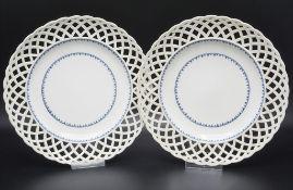 Paar Durchbruchteller mit Blaumalerei / A pair of reticulated plates, Wien, 1796-1797