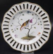 Durchbruchteller mit Vogelmalerei / A reticulated plate with bird painting, Meissen, wohl 18. Jh.
