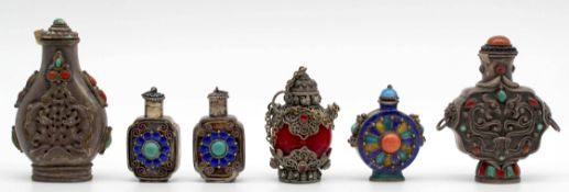 6 Snuff Bottles. Probably China / Tibet old.
