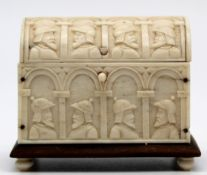 Miniature model sarcophagus. Ivory around 1900. Probably Erbach.