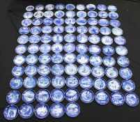 94 Christmas plates - Royal Copenhagen. Complete series from 1910-2004.