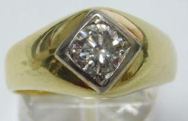 Gold 585. Men's ring with a brilliant cut diamond solitaire. Circa 1 carat, white / si.