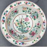 Schale. Porzellan. Wohl Famille Vert China antik.