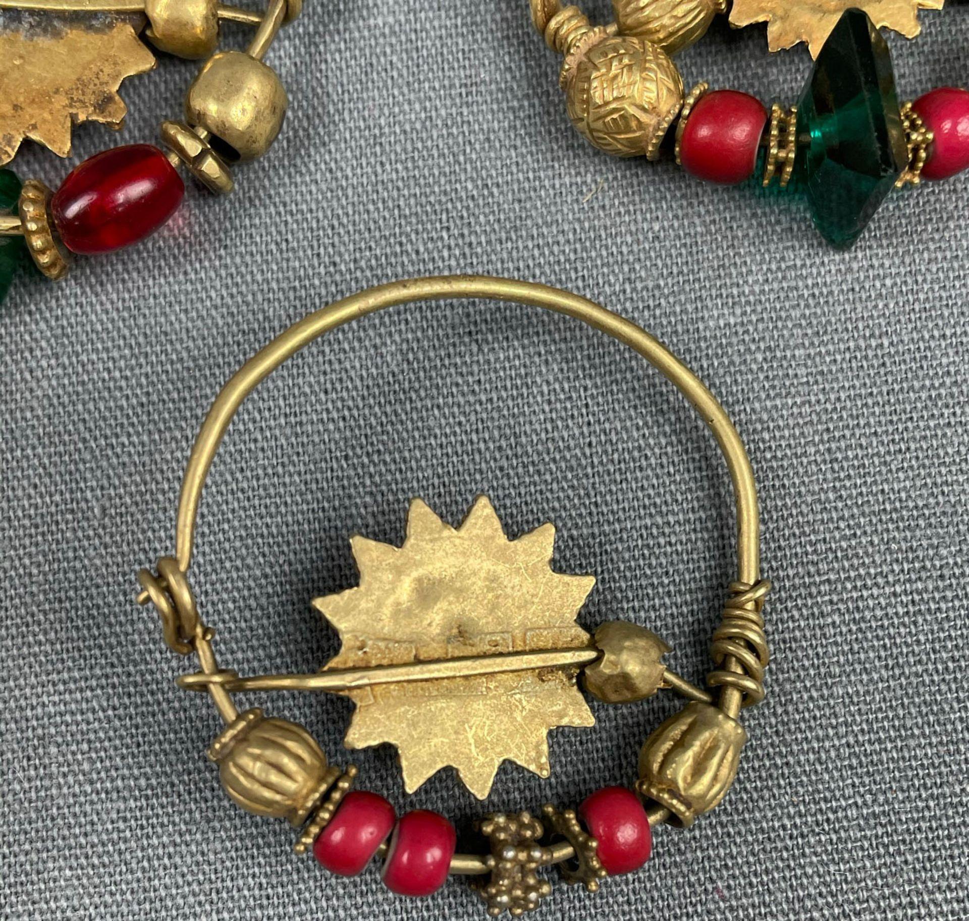 3 Anhänger, Ohrschmuck? Wohl Mogul Indien antik. Gold. - Image 5 of 10