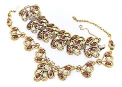 SET OF COLLIER AND BRACELET IN GILDED METAL ELSA SCHIAPARELLI FROM THE 1950s