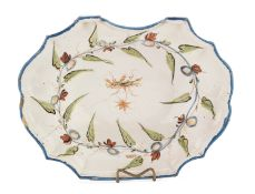 SHAVING PLATE IN MAJOLICA NORTHERN ITALY 18th CENTURY