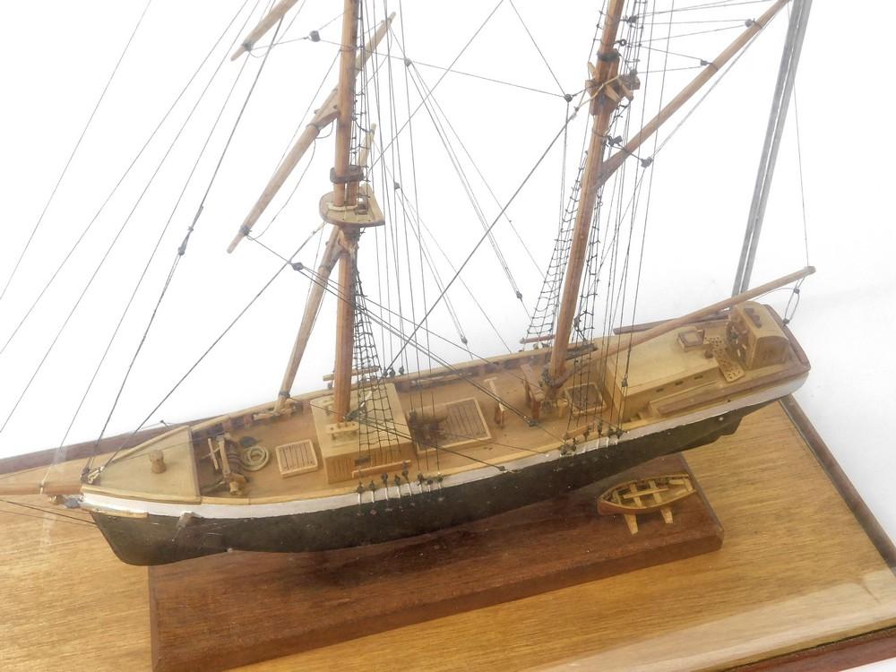 SHIP MODEL. - Image 3 of 3