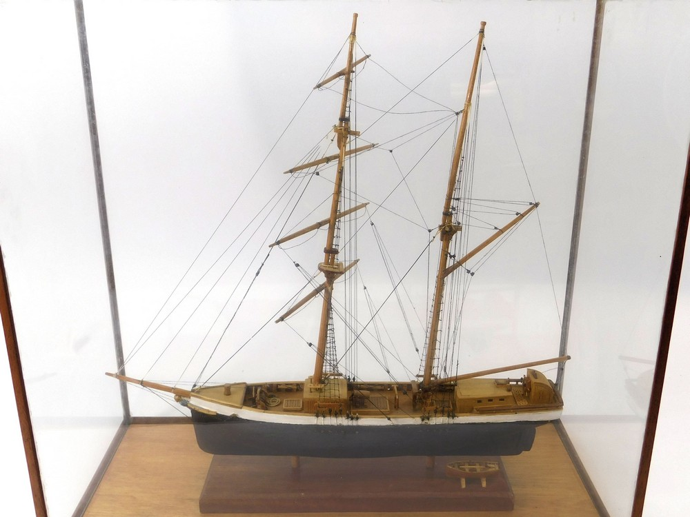SHIP MODEL. - Image 2 of 3