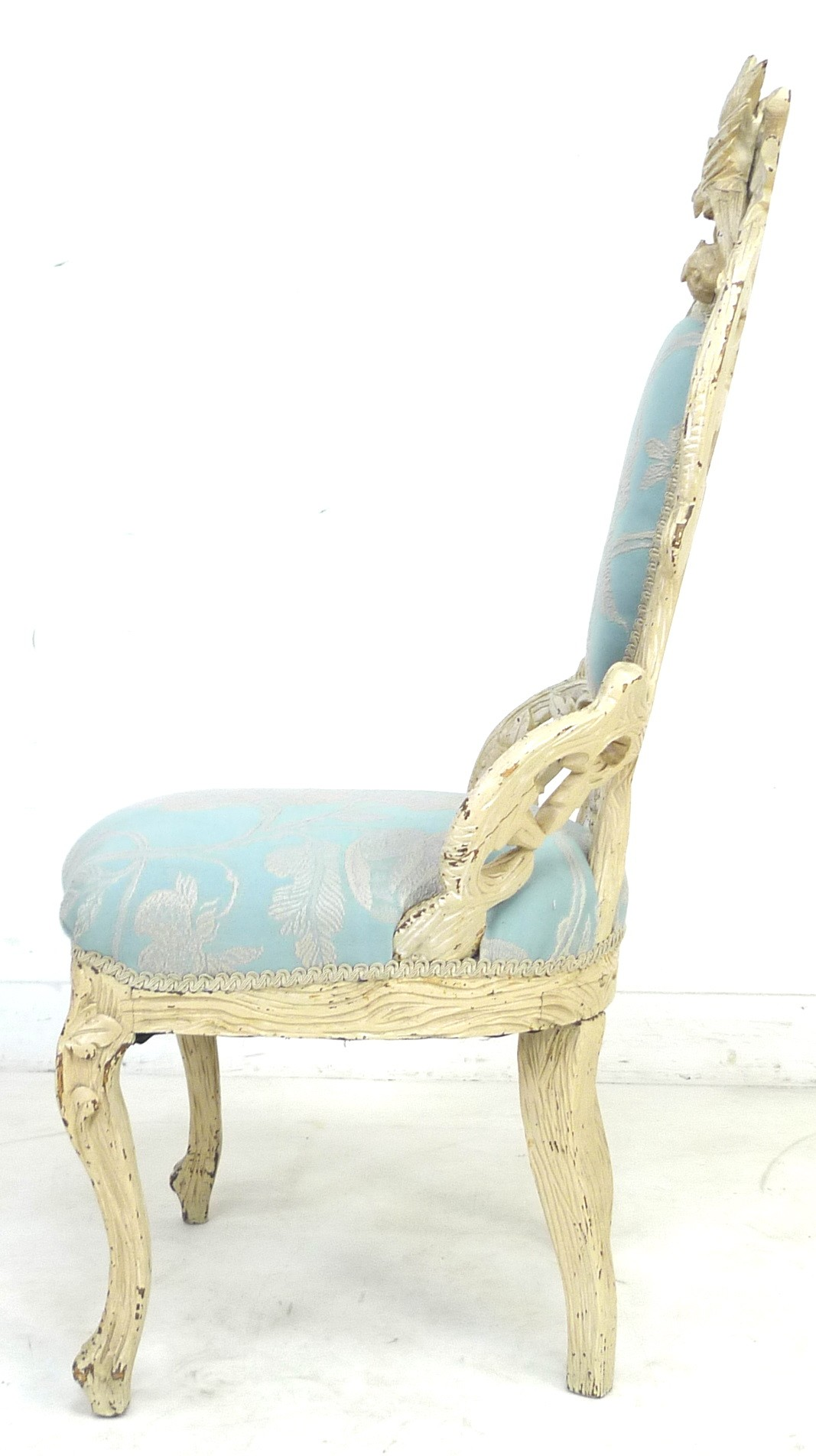 A Victorian nursing chair with cream painted carved frame, raised on cabriole legs to the front - Image 5 of 7