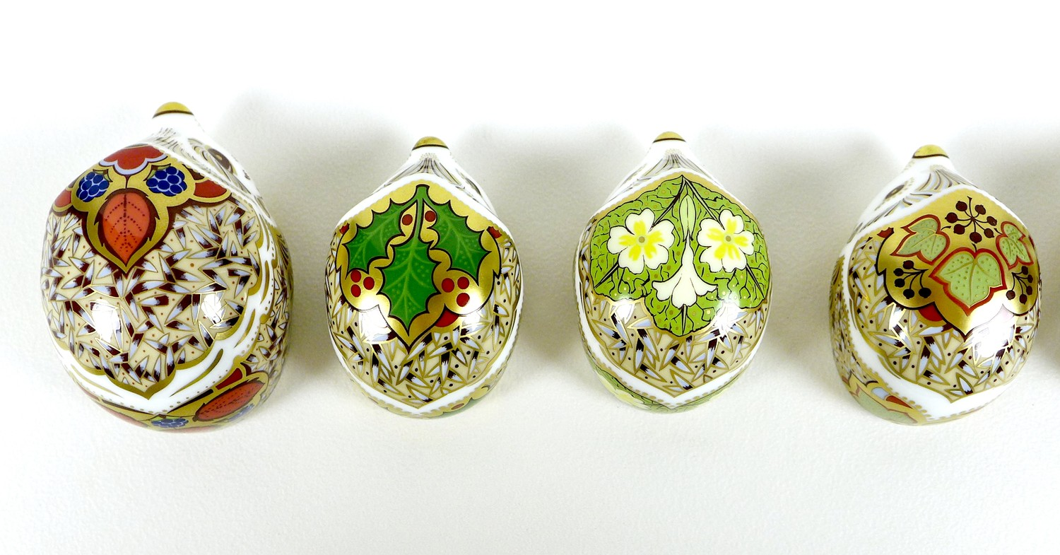 A group of eight small Royal Crown Derby paperweights, all modelled as hedgehogs, comprising ' - Image 4 of 16