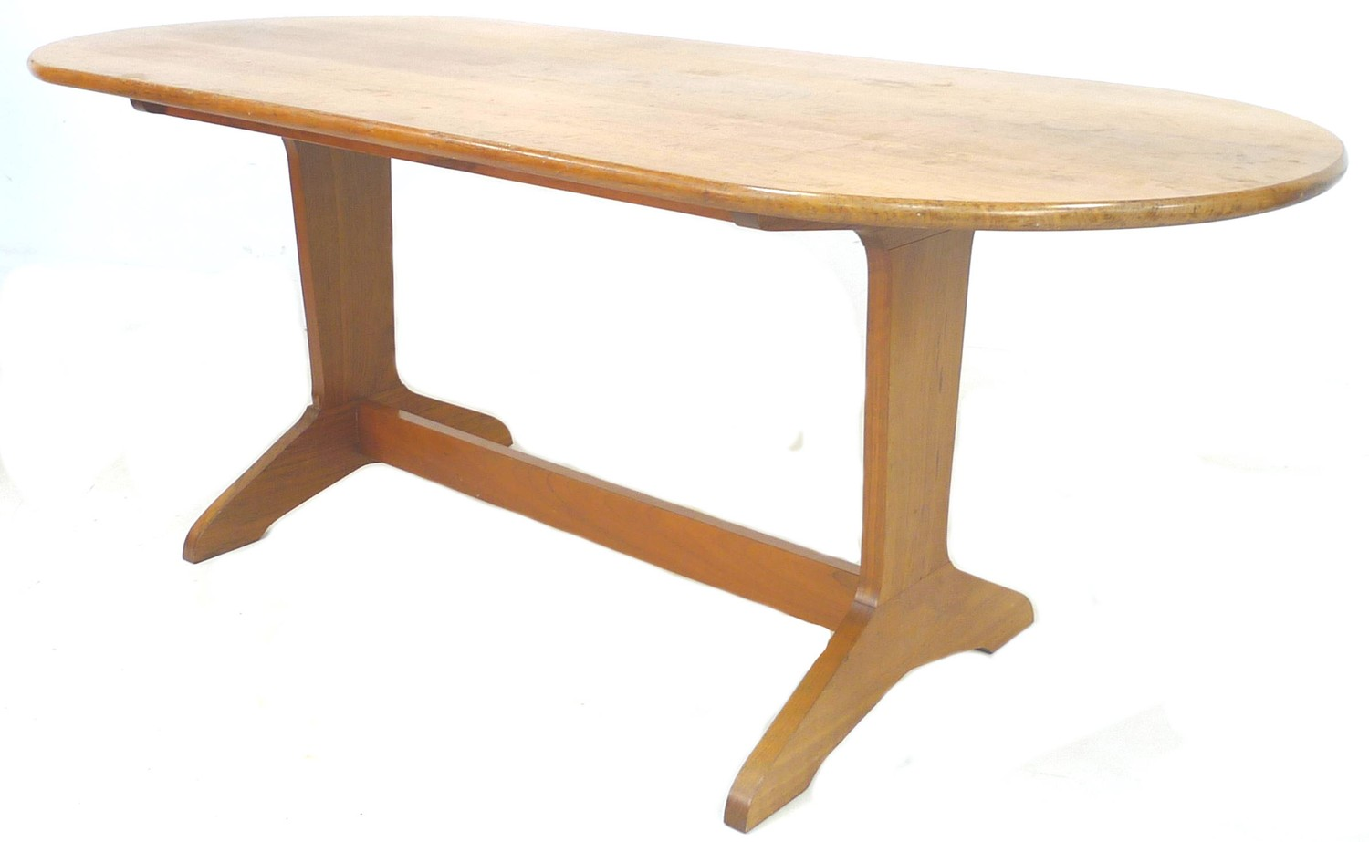 A modern Reynolds of Ludlow oval mahogany dining table, 182 by 83 by 73cm high, together with a - Image 4 of 4