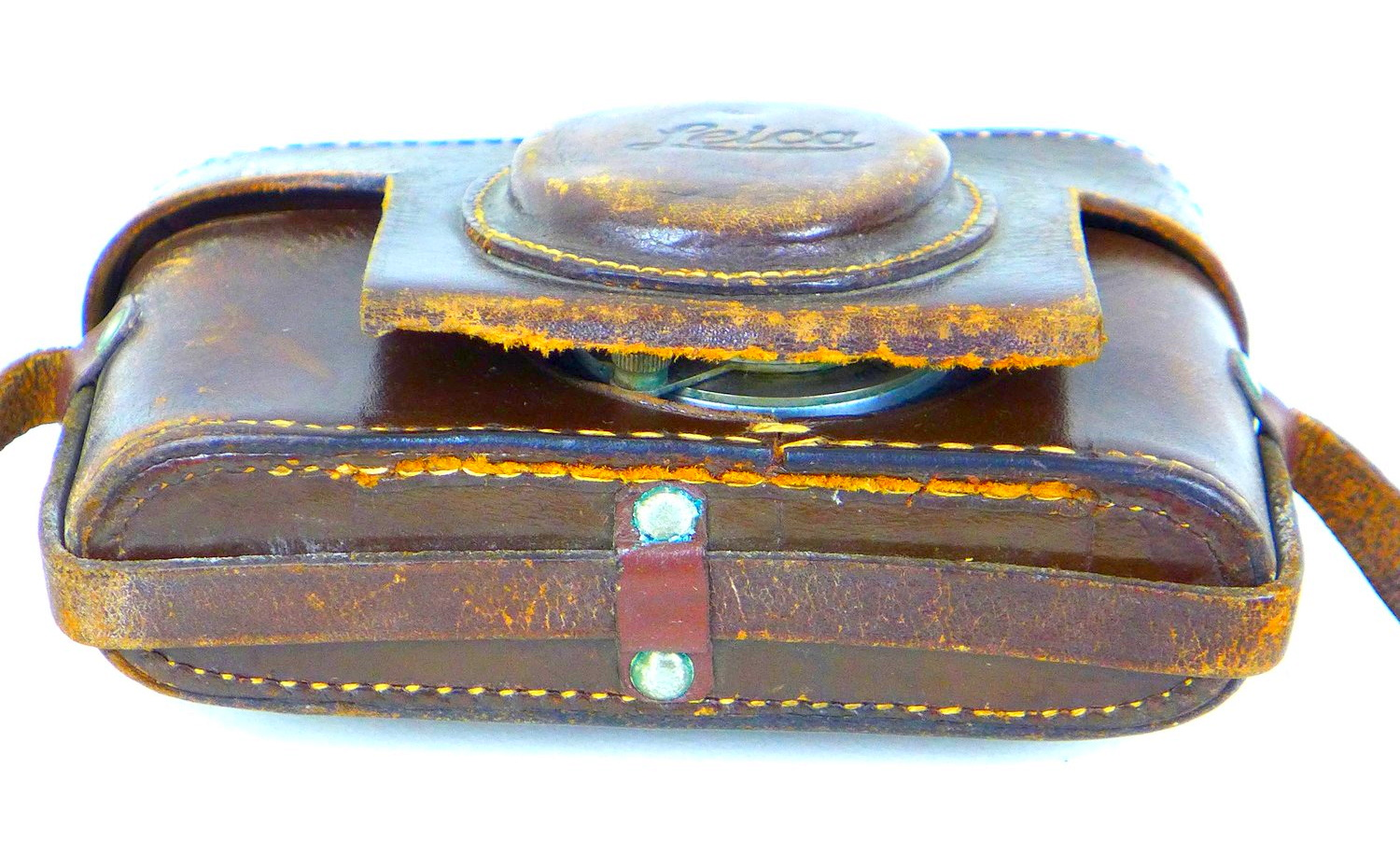 A vintage 1930s Leica camera, with Leitz Elmar 1:3.5 f=50mm lens, serial no. 168496, with chrome and - Image 8 of 8