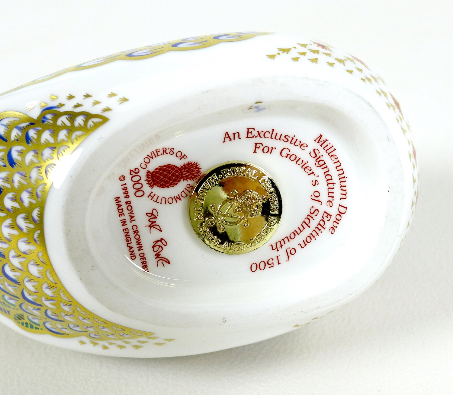 Two Royal Crown Derby paperweights, comprising 'Millenium Dove', limited edition 1130/1500, an - Image 6 of 8