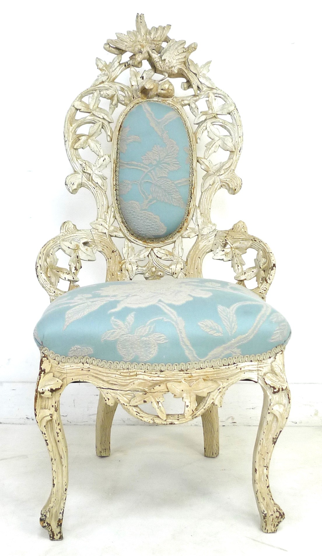 A Victorian nursing chair with cream painted carved frame, raised on cabriole legs to the front - Image 4 of 7