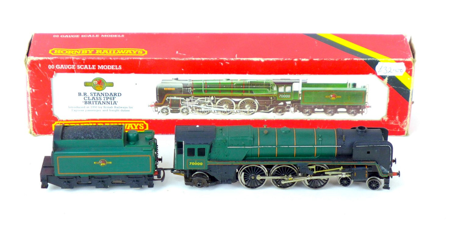 Hornby and Mainline OO gauge locomotives and tenders, comprising a 4-6-2 Britannia 70000, an 8-6-2 - Image 3 of 4