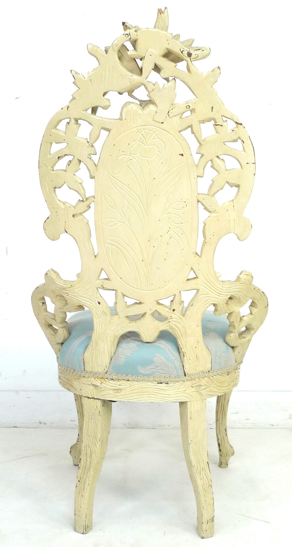 A Victorian nursing chair with cream painted carved frame, raised on cabriole legs to the front - Image 6 of 7