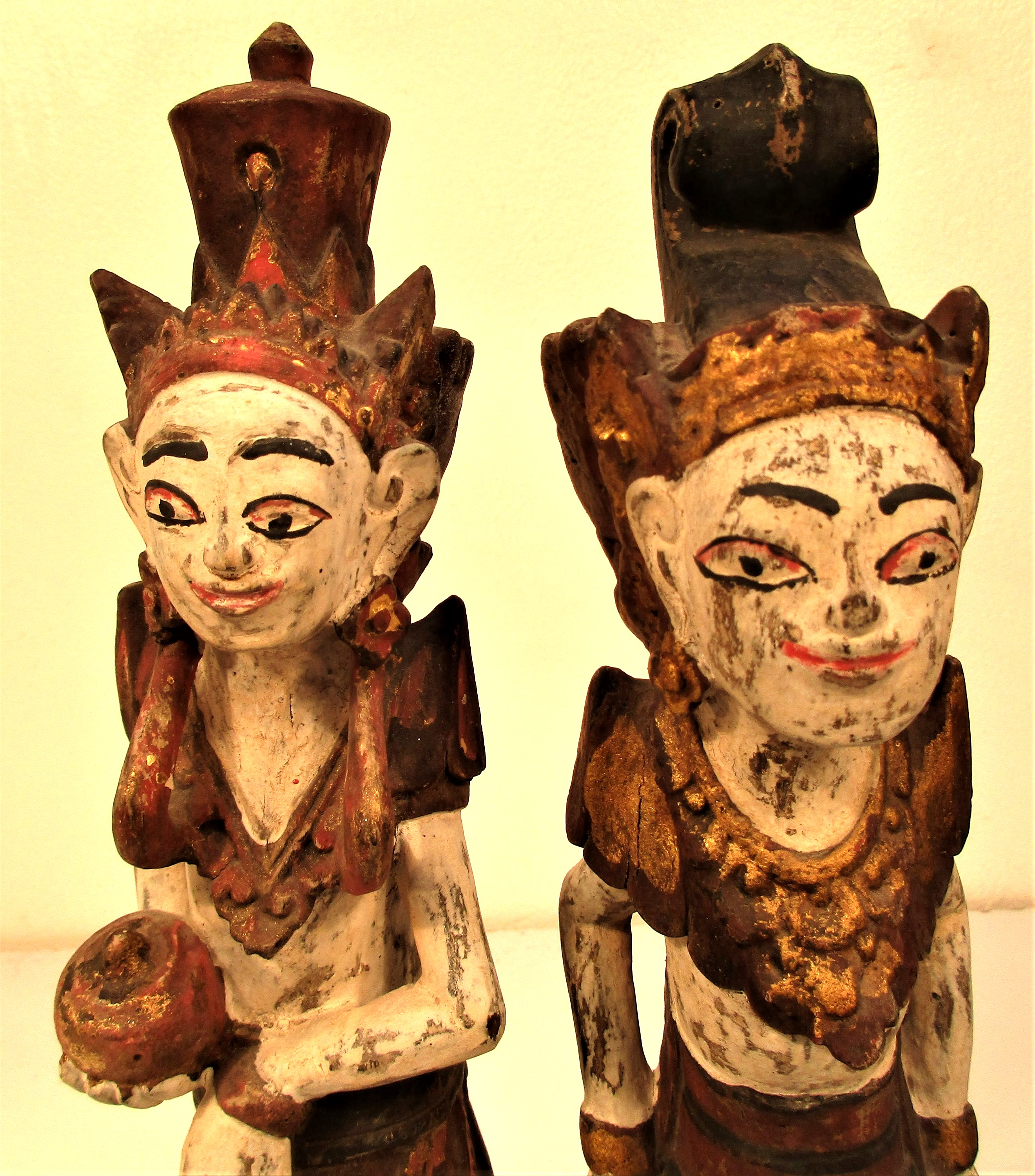 Wedding couple statues from east Bali. They are carved wearing tradition costumes and head dress, - Image 4 of 4