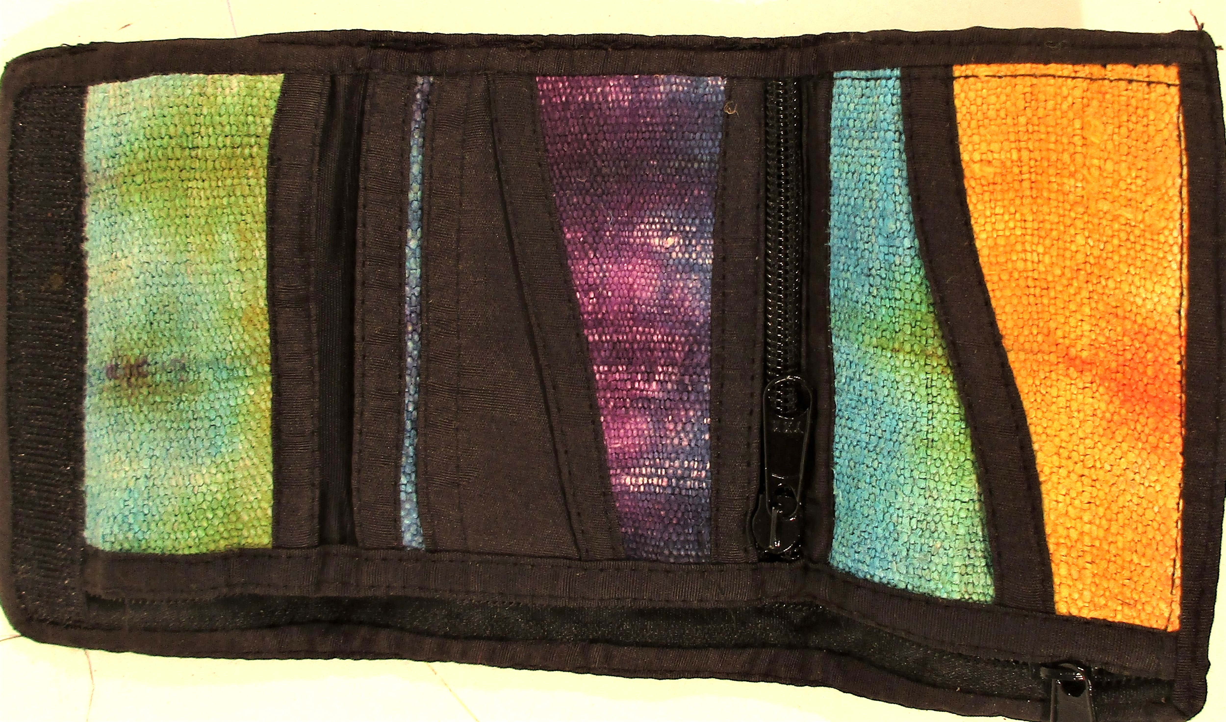 Kashmir embroidered wallet with multiple pockets. 26 x 13cm. - Image 2 of 2