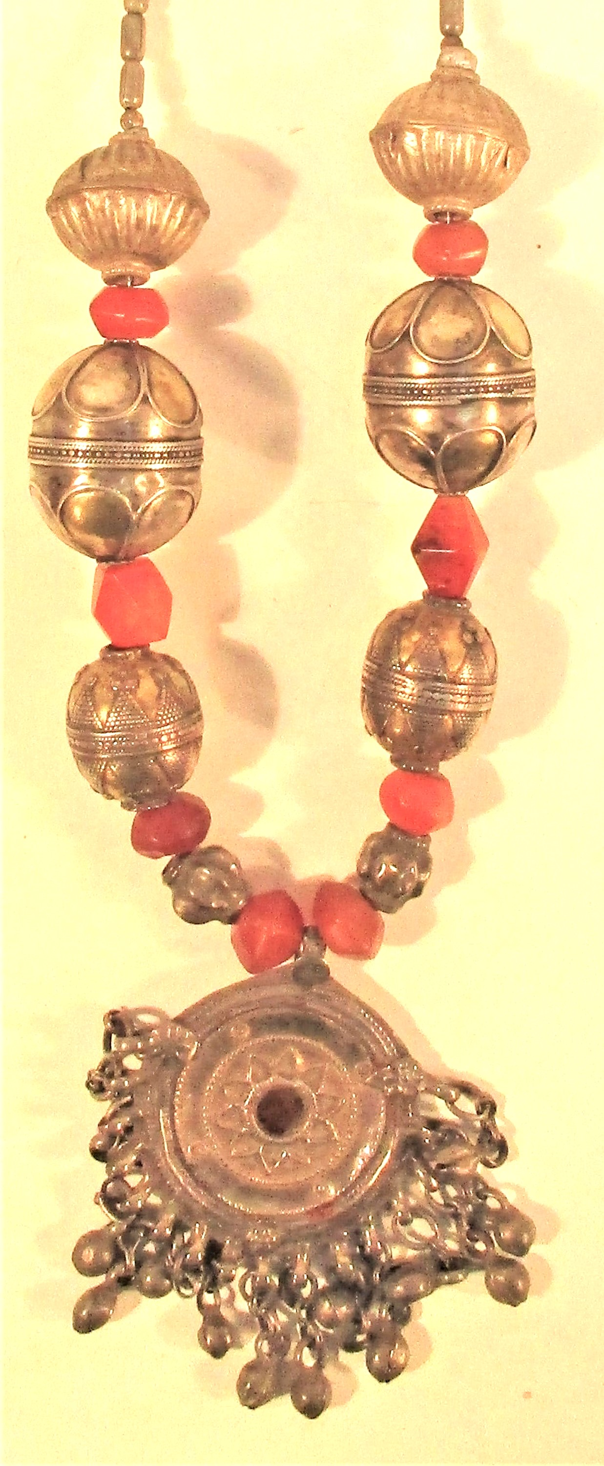 Afghan necklace with antique pendant and cornelian and metal beads. 30cm. - Image 2 of 2
