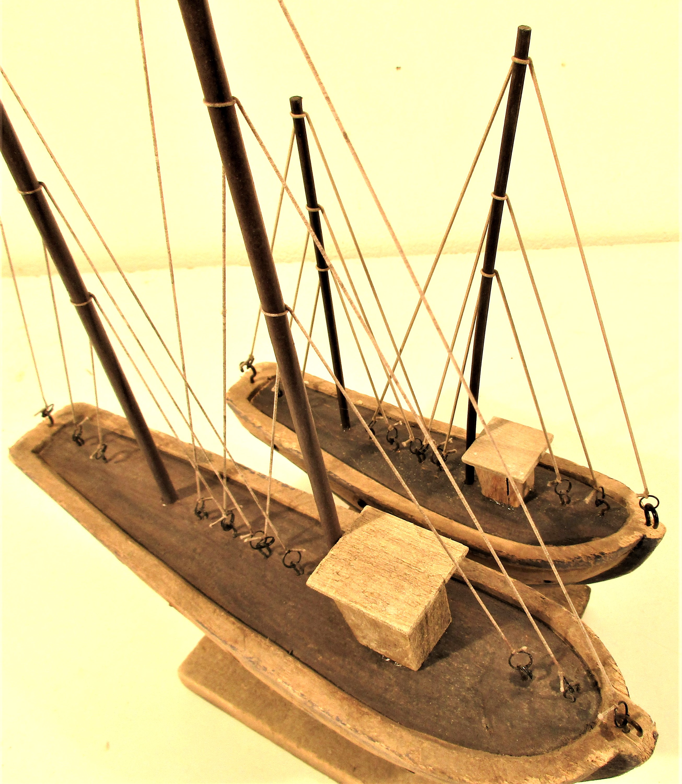 2x wood and painted boats with full rigging. 30 x 42 and 22 x 30cm. New - Image 3 of 3