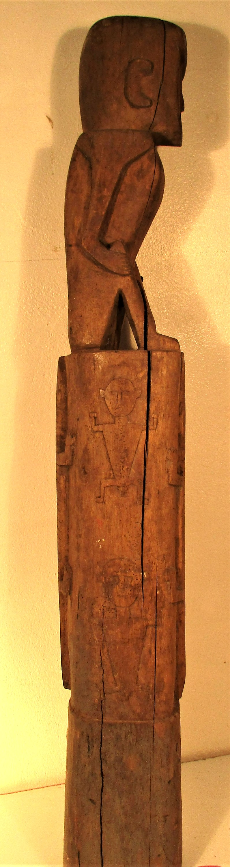 A house post sculpture from Sumba. It is part of the ritual of death that a sculpture of the - Image 4 of 4