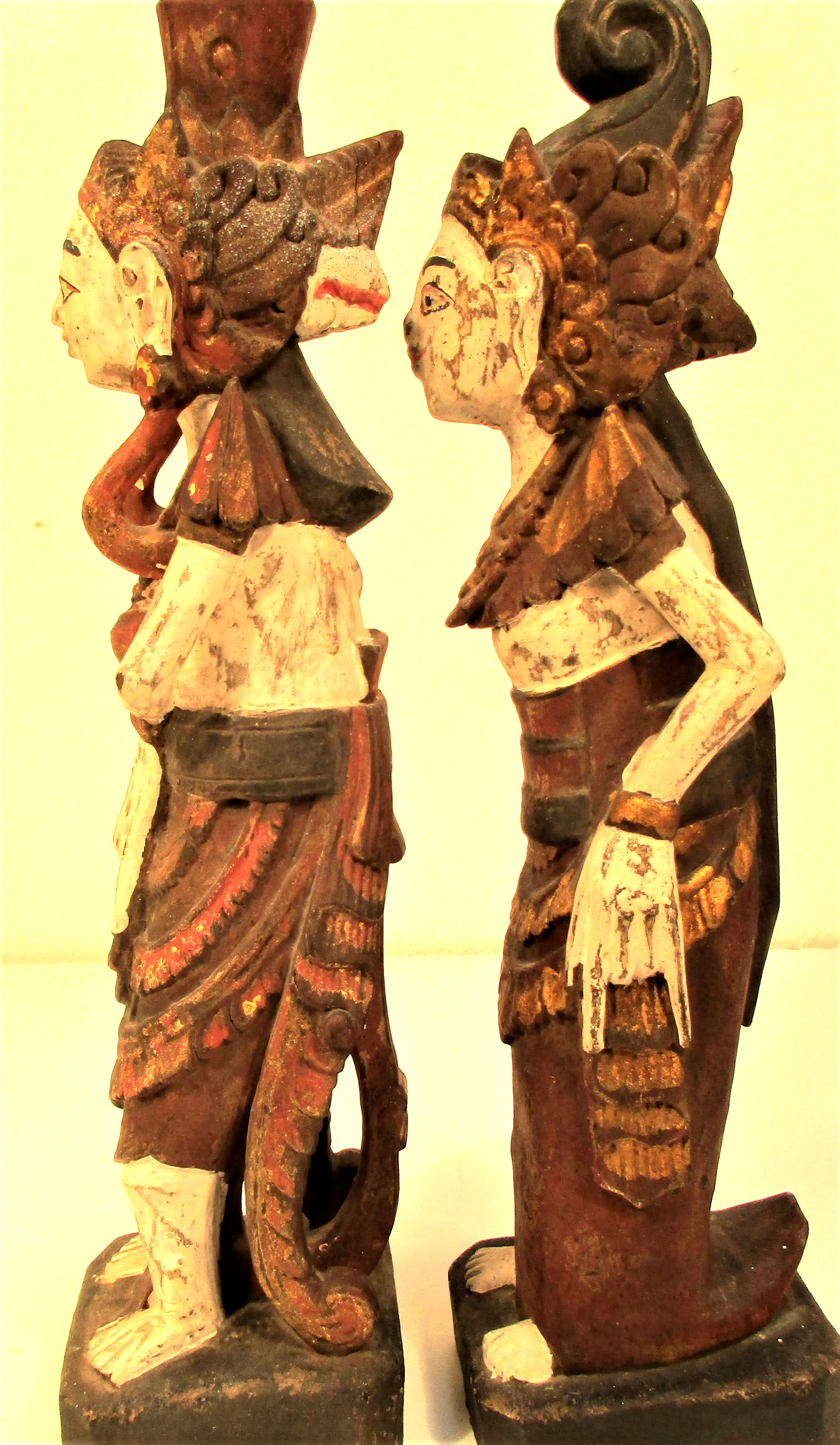 Wedding couple statues from east Bali. They are carved wearing tradition costumes and head dress, - Image 2 of 4