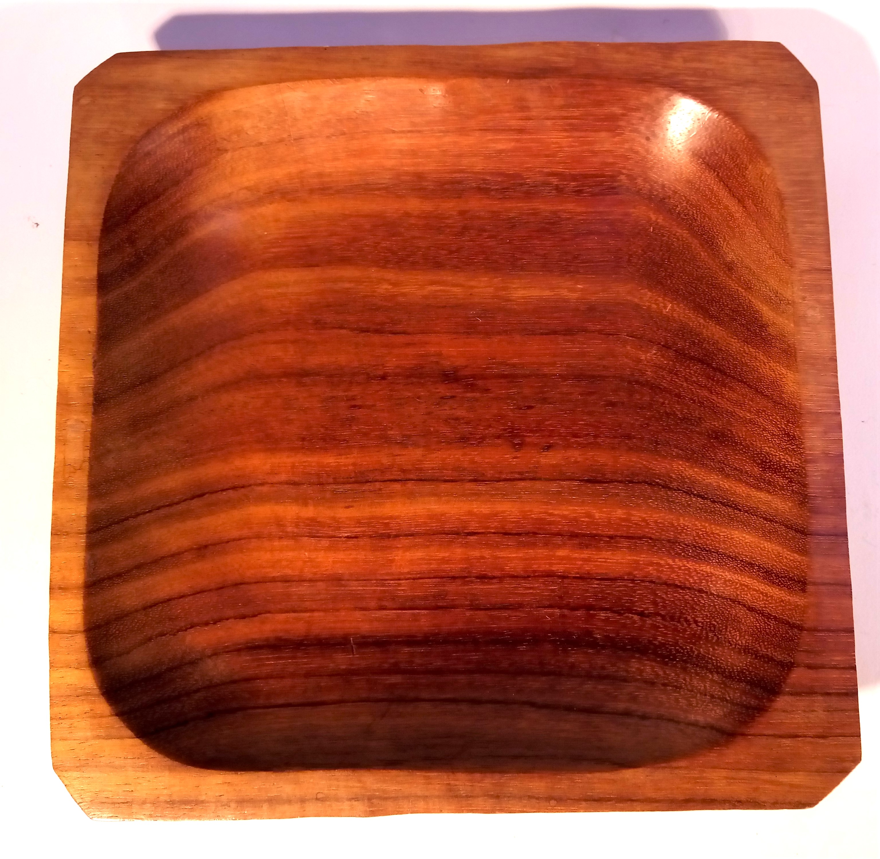 Hand carved hardwood dish from Indonesia. 20 x 20 x 3cm. New