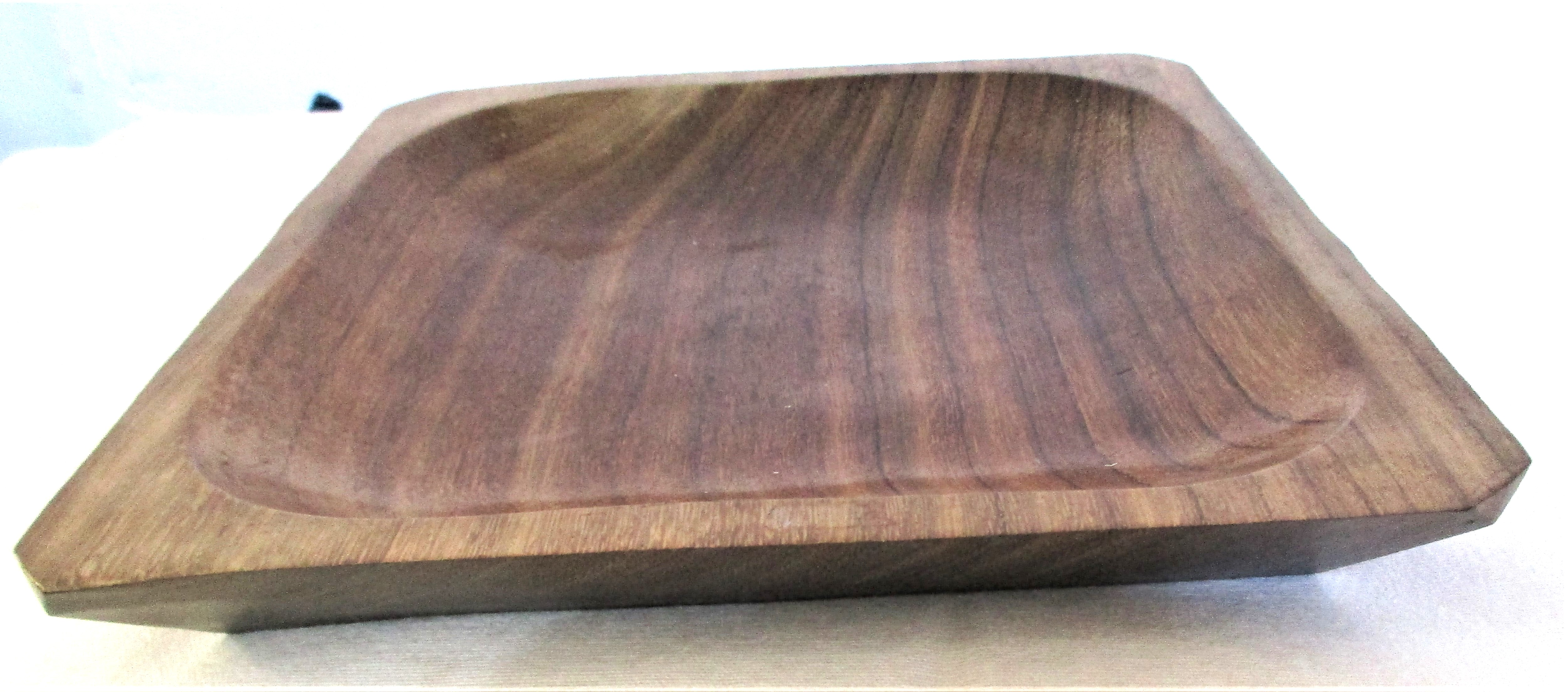 Hand carved hardwood dish from Indonesia. 20 x 20 x 3cm. New - Image 2 of 2