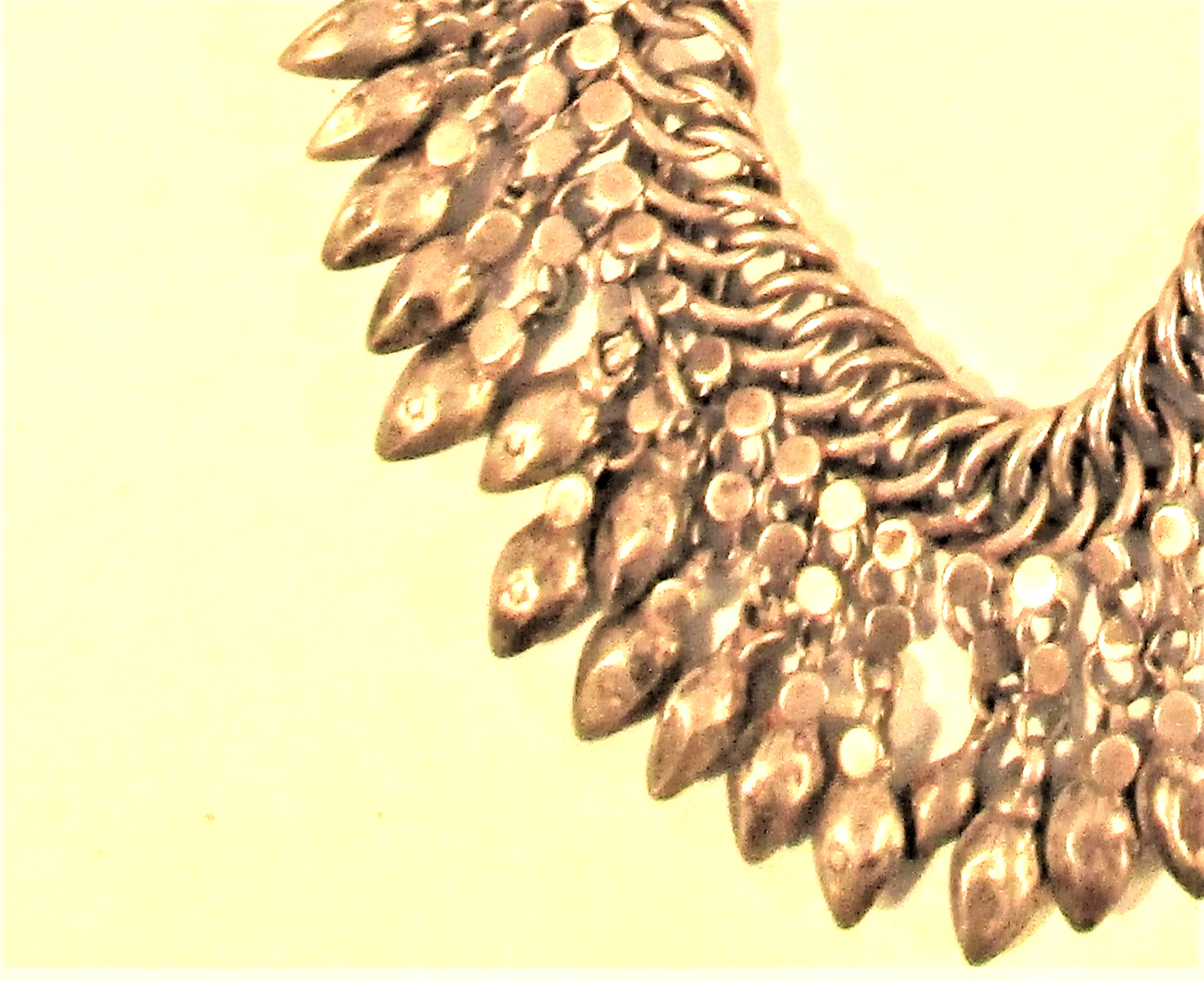 Heavy white metal chain necklace with metal lotus seed drops. 27cm. 180grm. - Image 2 of 2