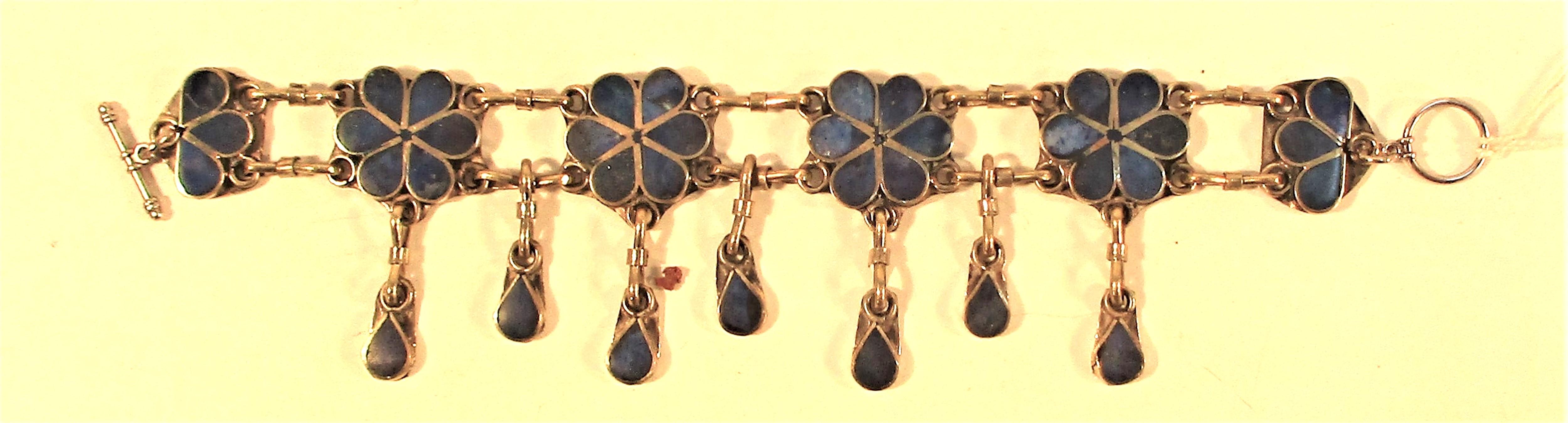 White metal and lapis lazuli bracelet 20cm.