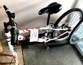 A Tokko Apollo white painted gent's mountain bike, missing front wheel.