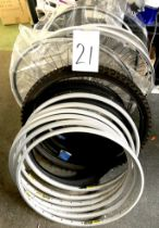 A group of miscellaneous loose/unfitted wheel rims and tyres, including Mavic 230 SBP.