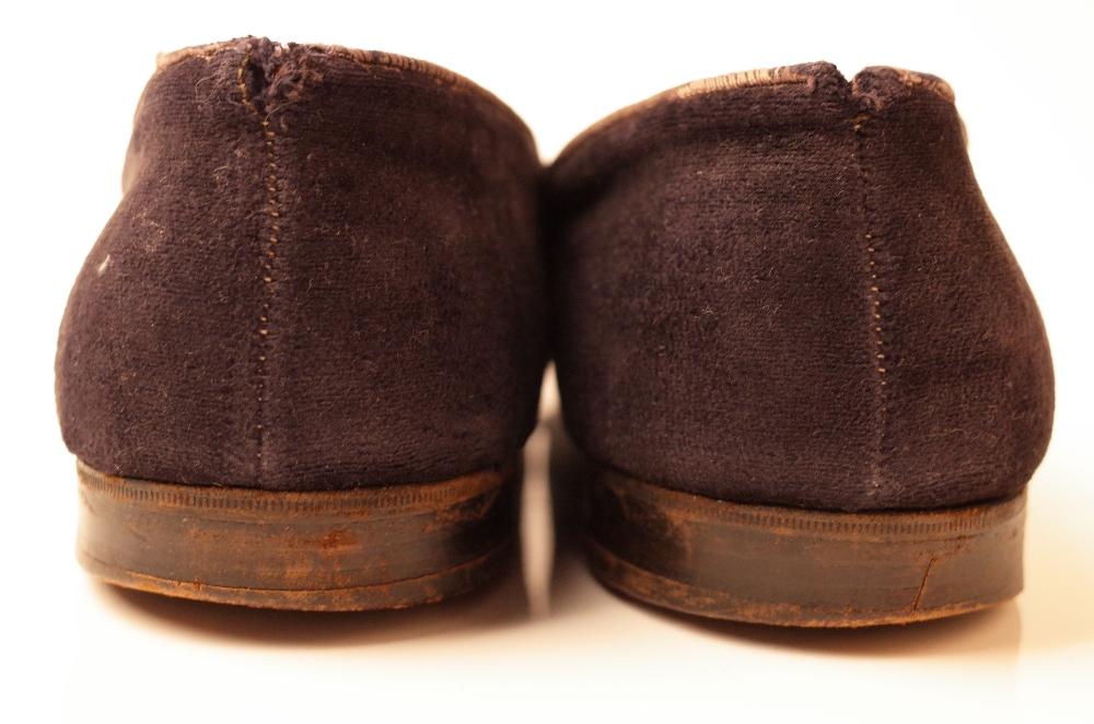 Sir Winston Churchill's monogrammed midnight blue velvet evening slippers, 1950s, of Albert style, - Image 5 of 10