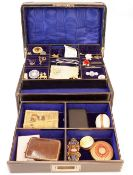 A collection of jewellery, vertu and militaria,