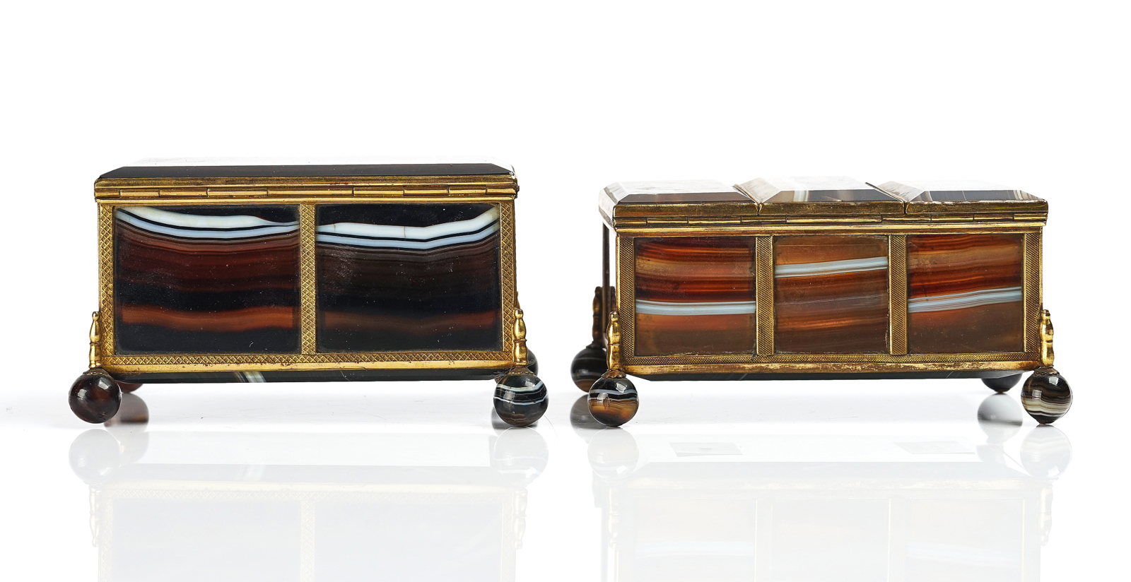 A VICTORIAN ROYAL PRESENTATION FRENCH ORMOLU MOUNTED AGATE CASKET AND ANOTHER SIMILAR - Image 3 of 5