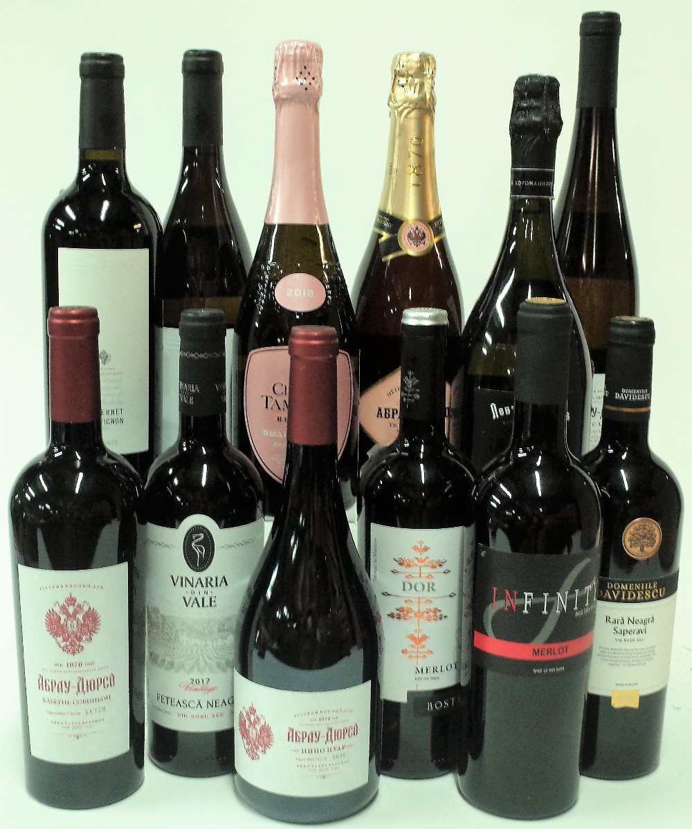 12 BOTTLES RUSSIAN AND MOLDOVAN WINE